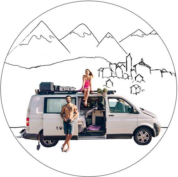 Frau mit Hund im Van